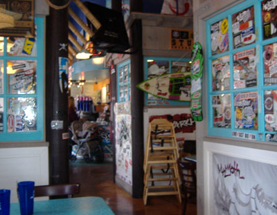 Wahoo's Fish Taco - Interior